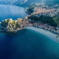 Riflettori accesi sulla Calabria. Il quotidiano francese Le Monde la definisce