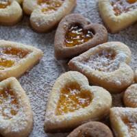 San Valentino, ecco i gustosi occhi di bue a forma di cuore: la ricetta