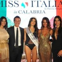 Sara Fasano è Miss Calabria 2018. Undici ragazze alle prefinali