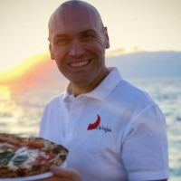 """Peppone, il pizzaiolo reggino d'adozione che ama la genuinità: """"La ricetta giusta? Testa bassa e tanta umiltà"""""""