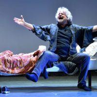 """L'insonne Grillo scuote Reggio Calabria: """"Quotate la 'ndrangheta in borsa. La città è abbandonata"""""""