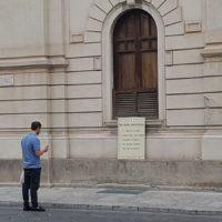 Reggio ricorda l'importanza del 25 aprile: ecco le installazioni comparse in centro – FOTO