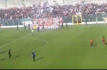Reggina ai play-off, lo spettacolo dei tifosi amaranto a Vibo