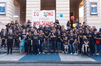 """A Reggio il Flash Mob """"Io sono perchè noi siamo"""": """"La diversità è uguaglianza"""""""
