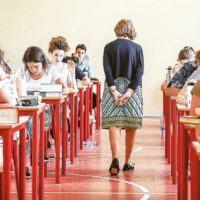 """Esami di Stato 2019, Bussetti agli studenti: """"Cari ragazzi, la fortuna non esiste"""""""