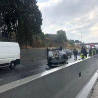 Reggio, auto ribaltata sulla SS106. Rallentamenti in corso