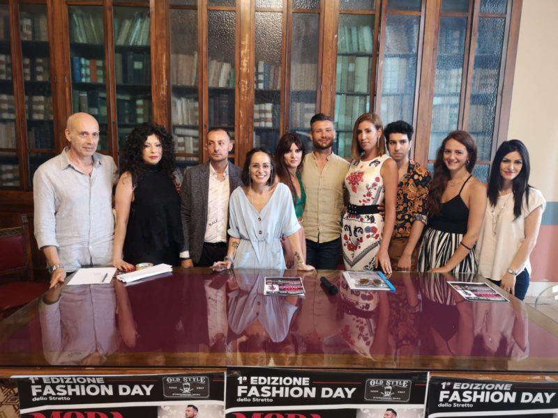 best service faf07 744d4 Fashion Day dello Stretto