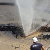 """Rottura tubi ad Archi, un cittadino: """"Vergogna, acqua sprecata mentre famiglie non ne hanno"""""""