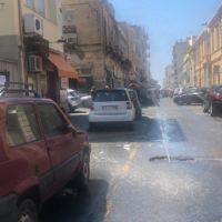 Reggio, si rompe una tubatura. Forte getto d'acqua in centro città