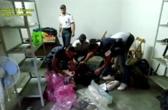 Gebbione - Nascondevano armi, esplosivo e droga