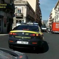 """Reggio - Operazione """"Fiumi d'oro"""": scoperto un bunker con droga, armi e soldi sporchi"""