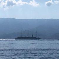Nel mare di Reggio Calabria la nave da crociera Wind Surf, tra le più grandi al mondo