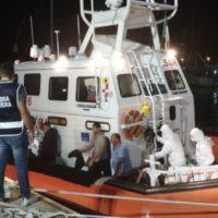 Sbarco di migranti sulla costa Jonica. Salvate 40 persone