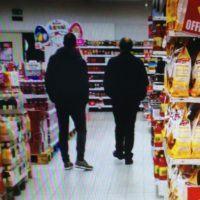 Reggio, sorpresi a spasso a fare la spesa. Sospesi 3 dipendenti della Città Metropolitana - FOTO