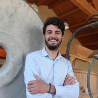 L'imprenditore calabrese Stefano Caccavari smuove il web con il suo grido di protesta