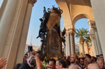 Festa della Madonna, l'uscita del quadro dalla Cattedrale