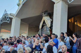 Festa della Madonna, l'uscita del quadro dall'Eremo