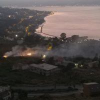 Incendio a Santa Trada, forte vento espande le fiamme