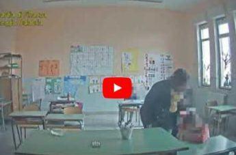 Maltratta i bambini in classe, sospesa una maestra in provincia di Reggio