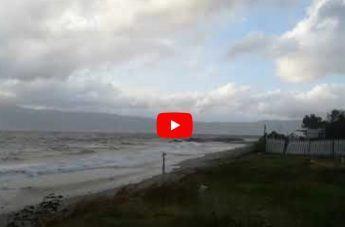 Maltempo a Reggio Calabria, il video del mare agitato nello Stretto