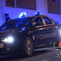 Reggio, fuggono dai Carabinieri e si schiantano contro un palo