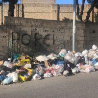 Reggio, caos rifiuti. Arriva l'ordinanza urgente del Sindaco