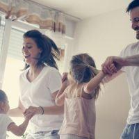 Coronavirus, tutti a casa. Stare in famiglia è l'unico lato positivo