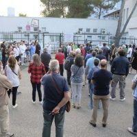 Calabria, i cittadini ringraziano medici e infermieri sulle note di Rino Gaetano