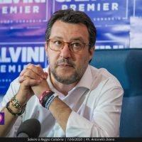 Regionali Calabria, Salvini commenta la scelta di De Magistris: 'Fame di poltrone senza limiti'