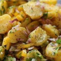 Come preparare l'insalata di patate: la ricetta
