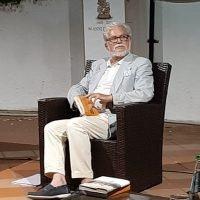 Presentata ai Caffè letterari l'antologia poetica 'Un giorno senza sera': il significato del tempo secondo Roberto Pazzi