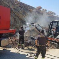 Lazzaro, incendio Ecoservice: al via intervento di raffreddamento del compost