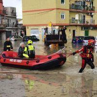 Alluvione Crotone, centinaia di richieste ai Vigili del Fuoco. Spirlì: 'Al lavoro per i cittadini'