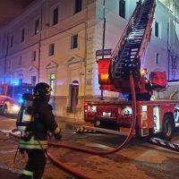 Incendio Corte d'appello: controsoffitto crollato. Il comunicato ufficiale dei Vigili - FOTO