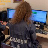 Sim tedesche ed auto con doppifondi: così la droga viaggiava dall'Europa alla Calabria