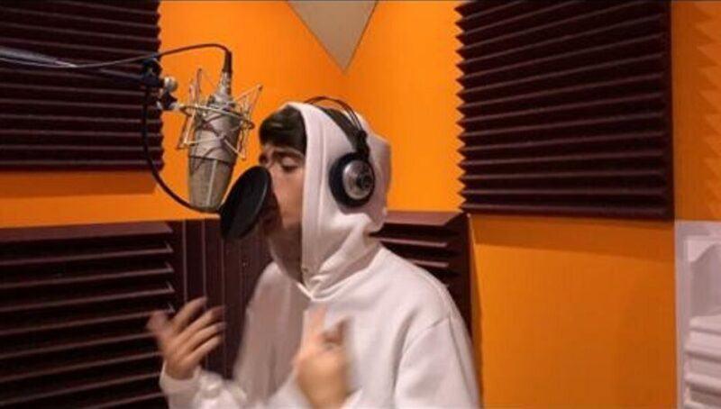 Simone Quartuccio Cantante Studio Registrazione