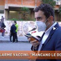 Caos vaccini, le telecamere di 'Dritto e rovescio' a Reggio Calabria: è allarme dosi