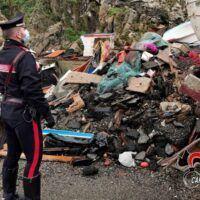 Sversamento rifiuti e attività non autorizzate: cosa accadeva al porto di Bagnara - FOTO