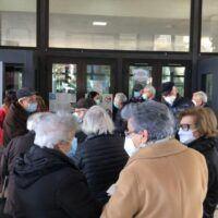 Vaccini a Reggio, nuovo vertice in Prefettura: più controlli nei centri vaccinali