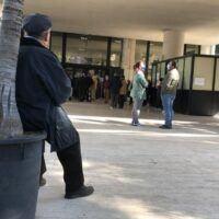 Reggio, ressa al centro vaccini. Una cittadina indignata: 'Situazione vergognosa'   - FOTO