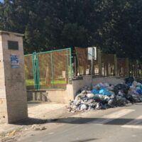 Reggio Calabria, al campo Coni si corre circondati dai rifiuti - FOTO