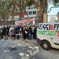 """Reggio, il Comitato """"Reggio non si broglia"""" non molla: Avviata raccolta firme ad Archi"""