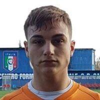 Cacciato dal Cosenza Calcio per il suo cognome. La storia surreale di Pietro Santapaola, nipote del boss 'Nitto'