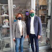 Reggio torna in zona arancione, il sollievo dei commercianti: 'Finalmente, basta chiusure'