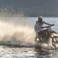 Traversata dello Stretto in moto, fallisce l'impresa di Luca Colombo