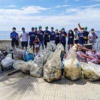 PlasticFree, grande partecipazione anche a Melito: ripulito il lungomare dei Mille - FOTO