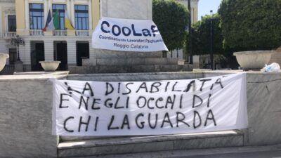 Protesta Cooperative Sociali Piazza Italia Reggio Calabria 1