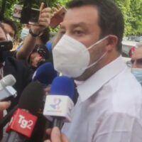"""Salvini a Reggio incontra le famiglie di bambini autistici e promette: 'Torno una volta a settimana in Calabria"""""""