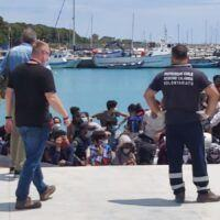 Ancora uno sbarco a Roccella, al porto arrivano 79 migranti