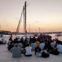 Nuovo sbarco di migranti a Roccella: arrivano in 54